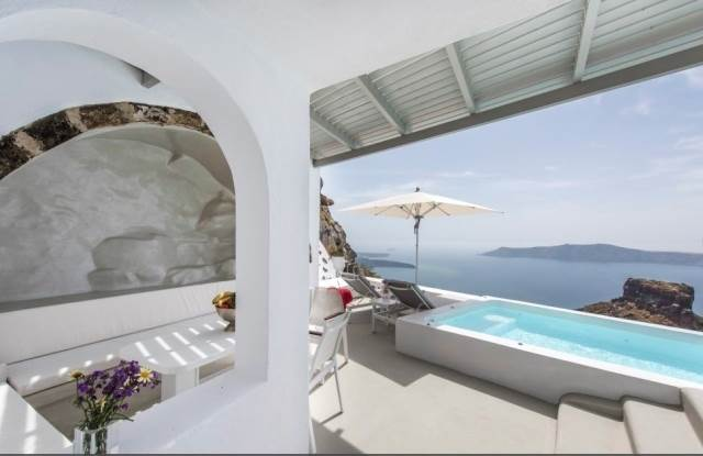 (For Sale) Residential Residence complex || Cyclades/Santorini-Thira - 100 Sq.m, 1.500.000€