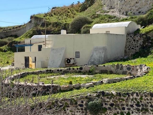 (For Sale) Residential Detached house || Cyclades/Santorini-Thira - 130 Sq.m, 300.000€